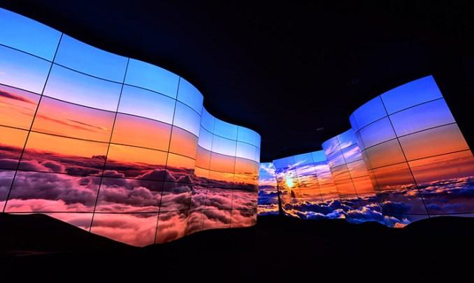 CES 2018, il Canyon con display OLED stupisce i visitatori
