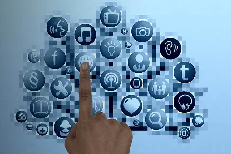 Zia Voice e Catalyst, Zoho CRM verso l'intelligenza interattiva