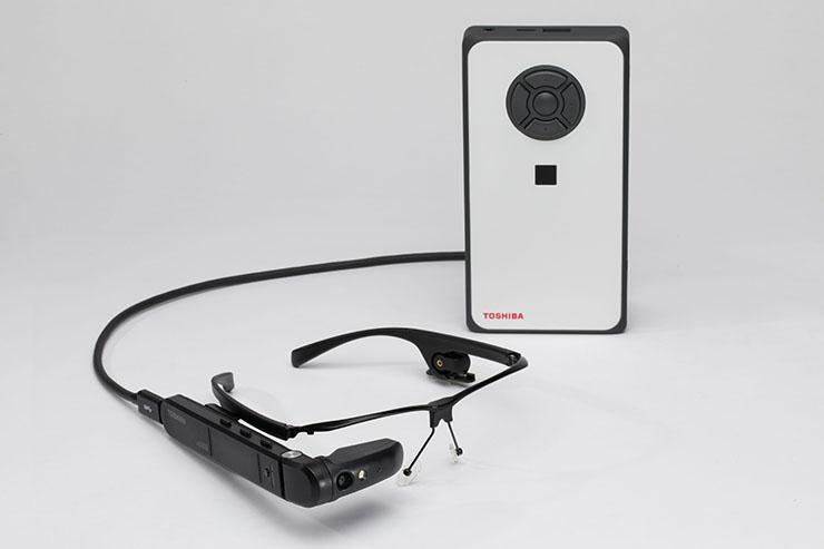 Toshiba dynaEdge DE-100, wearable per la realtà assistita