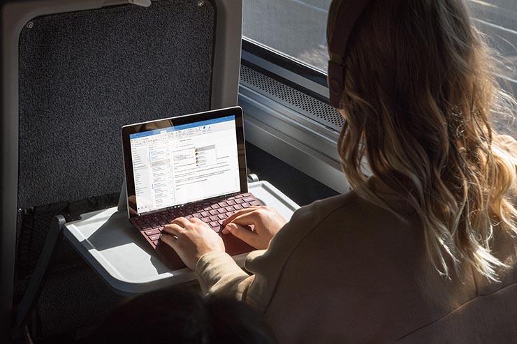 Surface Go, mobilità 2-in-1 firmata Microsoft