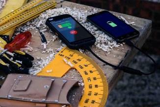 Cat Phones, per le aziende europee i cellulari sono fragili.