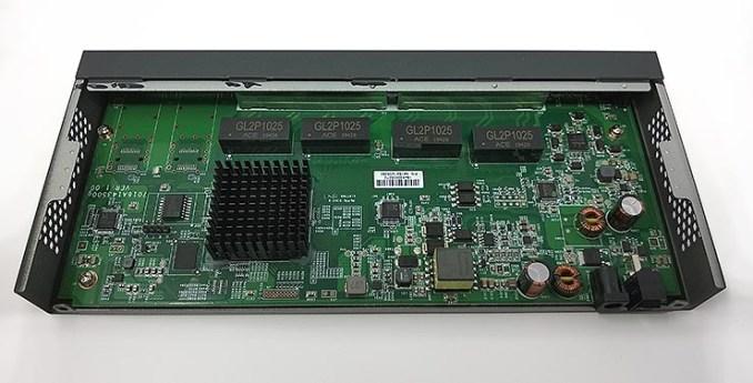 switch PoE Cloud Managed a 8 porte ECS1008P