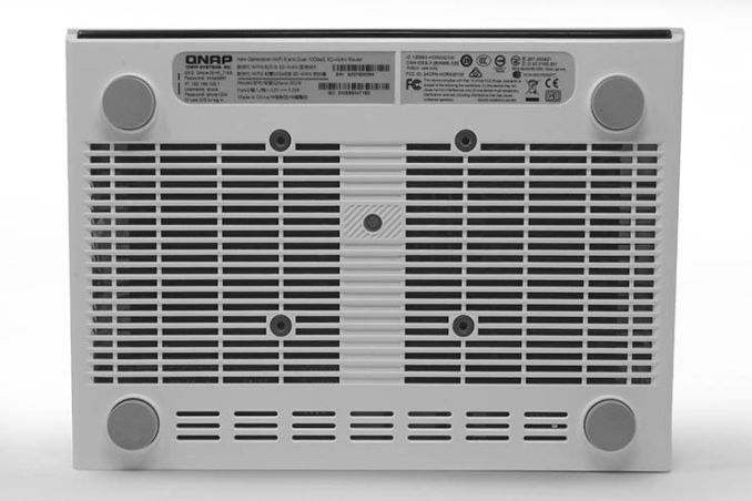Router SD-WAN QNAP QHora-301W
