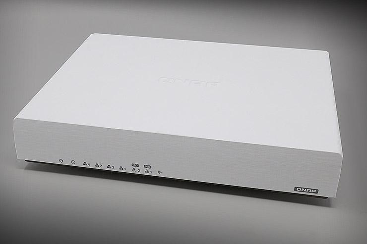 Router SD-WANQNAP: ricerca e sviluppo QNAP QHora-301W