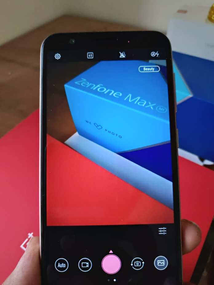 Asus Zenfone Max ZB556KL Review. - A Decent Budget Phone with good battery. 6