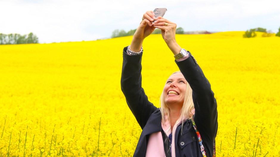 selfie, fake news, instagram, psychology