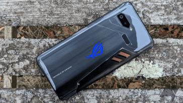 A few stumbles can't stop this gaming-phone heavyweight