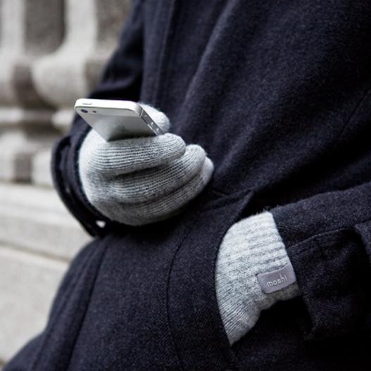 gloves-527_0.jpg
