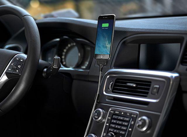 BOBINE-AUTO-FLEXIBLE-IPHONE-DOCK-640