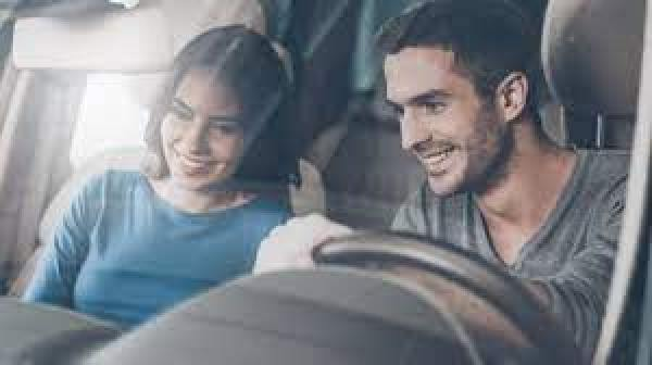 Car insurance places open on Saturday or Sunday (2021)