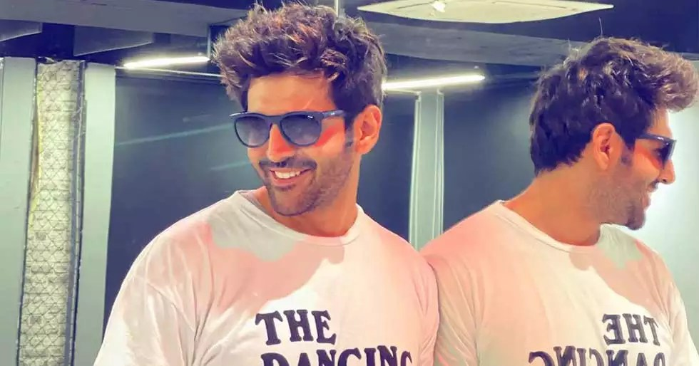 Kartik Aaryan reveals his sexy new hairstyle with a funny caption