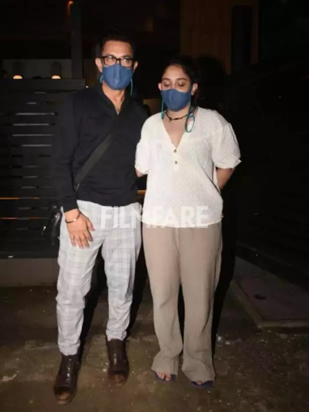 Aamir Khan clicked with daughter Ira in Bandra » Movie Review