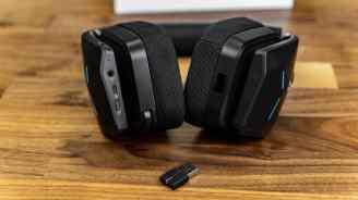 Alienware-AW988-Wireless-Headset-7