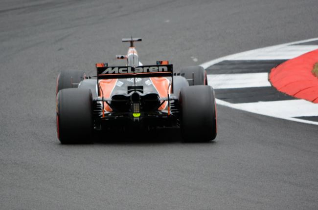 How Does Formula 1 Use Technology?