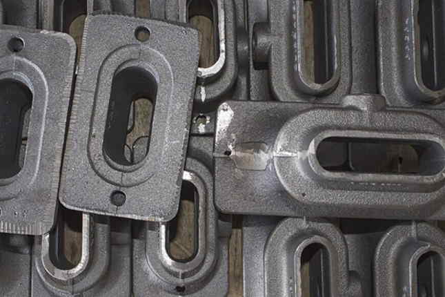 What is the Difference b/w Casting Carbon Steel vs Stainless Steel?