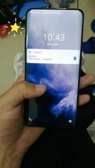 OnePlus 7 Pro hands on front 577x1024