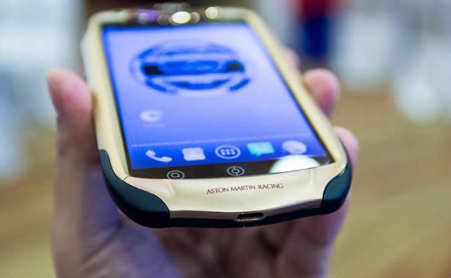 Aston Martin Racing 808 smartphone