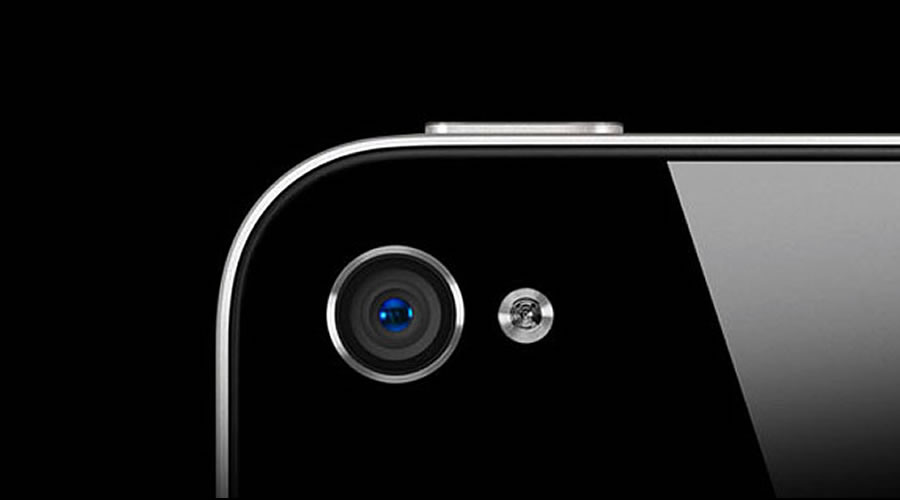 Simple Privacy Loophole In iPhone Allows Malicious iOS Apps To Silently Take Your Pictures Every Second