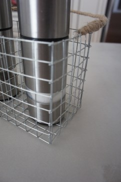 DIY Hardware Cloth Salt & Pepper Shaker Caddy | Techmomogy @ Home