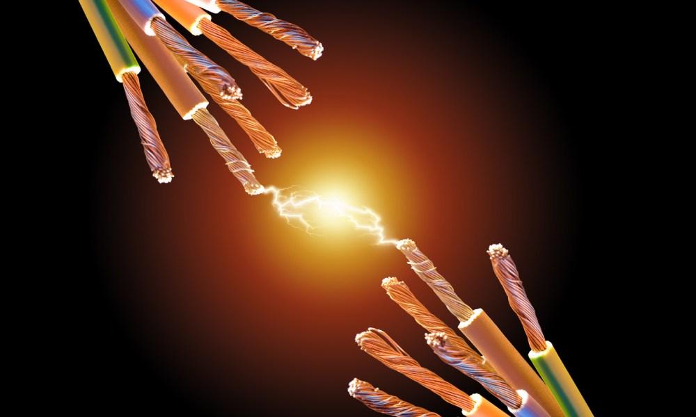 FreeGreatPicture.com-6300-optical-fiber-cable