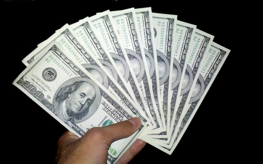 Us_dollars_one_hundred_banknotes