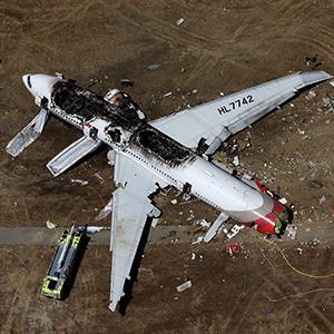 Boeing 777 crashes