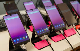 Bezel-less Smartphones: what's the fuss about?