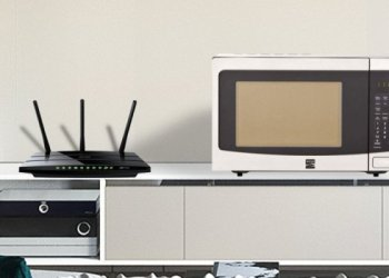 Microwaves-Interfere-With-WiFi-Signals1