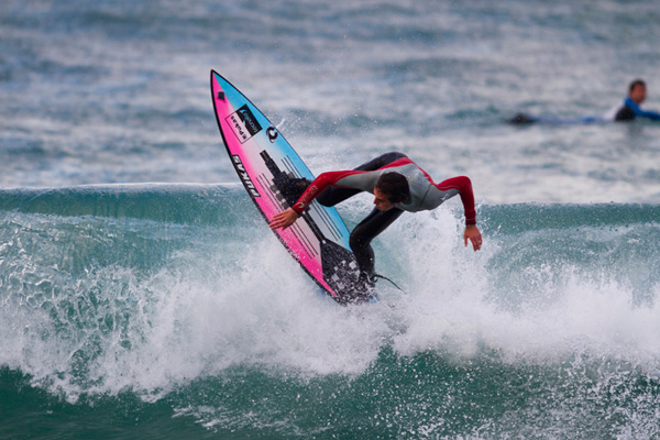 robot competitive surfing surfboard tecnalia surfsens pukas