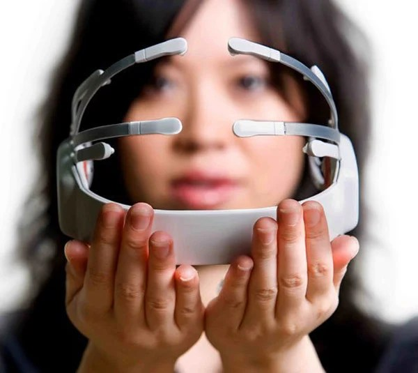 epoc emotiv neuroheadset mind reading emotions input device computer