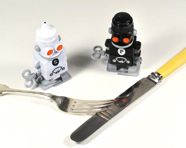 salt_pepper_bots_2