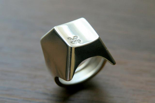 command key ring forma laboratory apple mac design