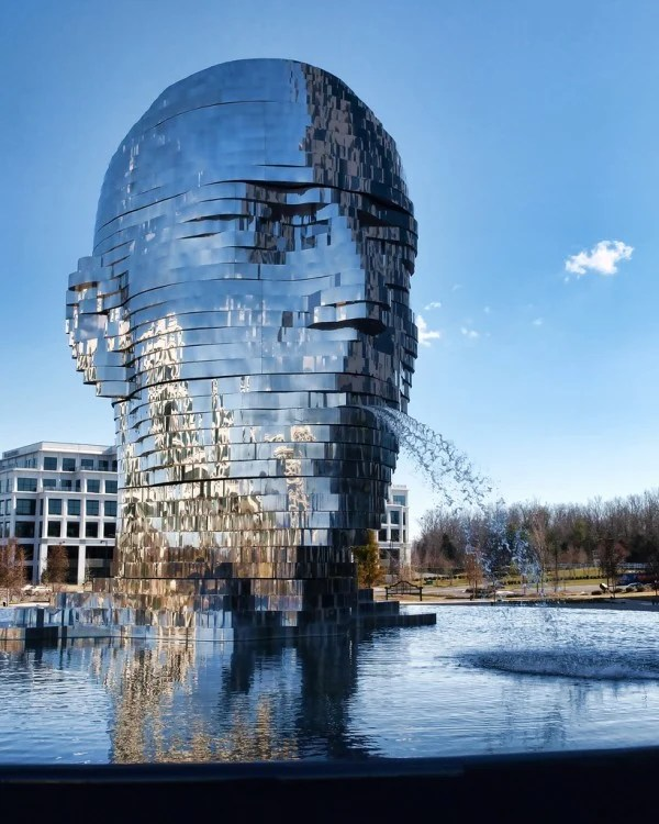 metalmorphosis charlote north carolina david cerny sculpture mirror fountain