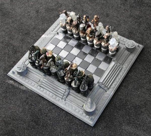 Aliens versus Predator chess 01