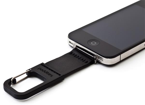 poddities iphone carabiner clip 01