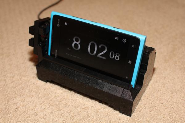 lego nokia lumia 900 charging dock