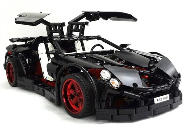 Sweet LEGO Supercar Has Working Five Speed Transmission   Technabob LEGOmaniac Paul Boratko built the Vampire GT using LEGO Technic parts  The  coolest part of this car for me is that it has a working five speed  transmission