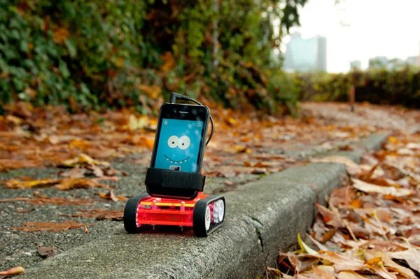 romo romotive robot smartphone brain