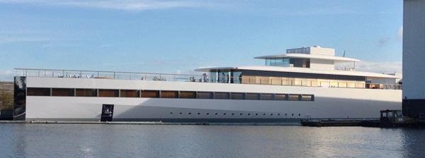 steve jobs yacht venus close