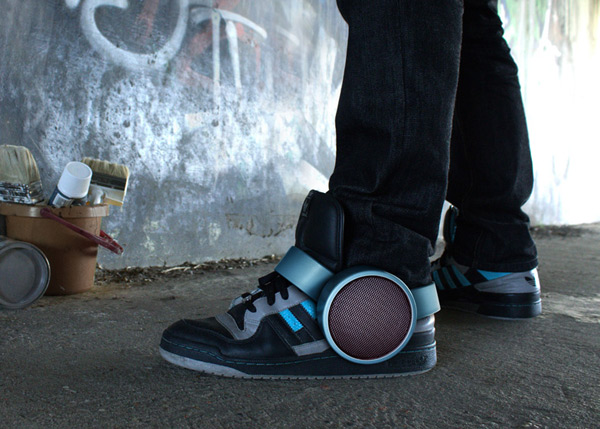 sneaker speaker ray kingston