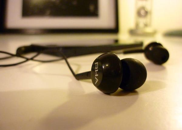 rha ma150 earphones earbuds