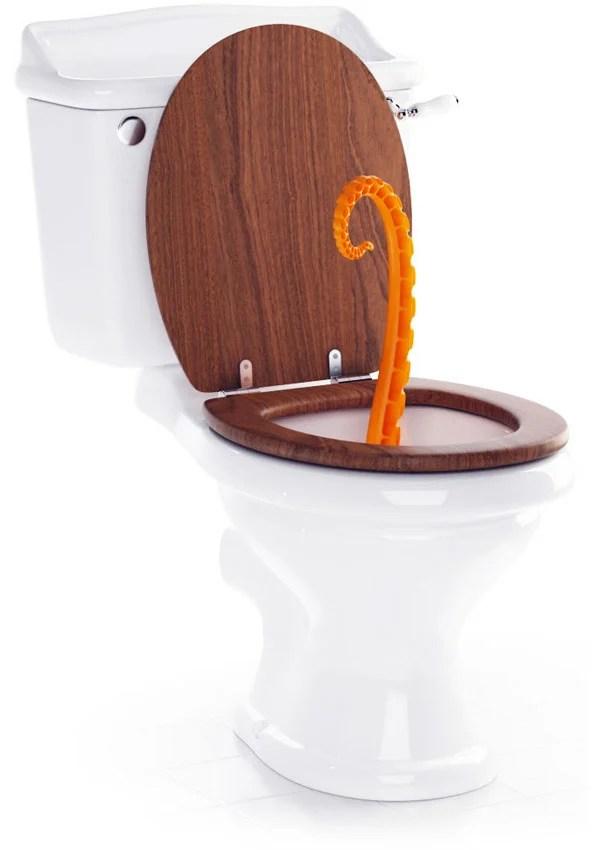 Октопод в тоалетната