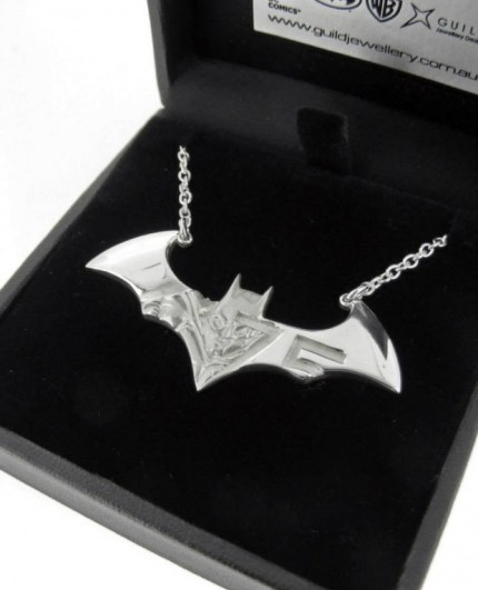 batman necklace 620x826