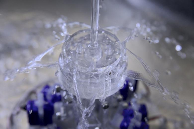 MIT 미디어랩, 흐르는 물을 인터랙티브 디스플레이로 구현