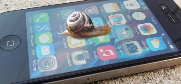 애플은 구형 아이폰을 일부러 느리게 하는걸까?