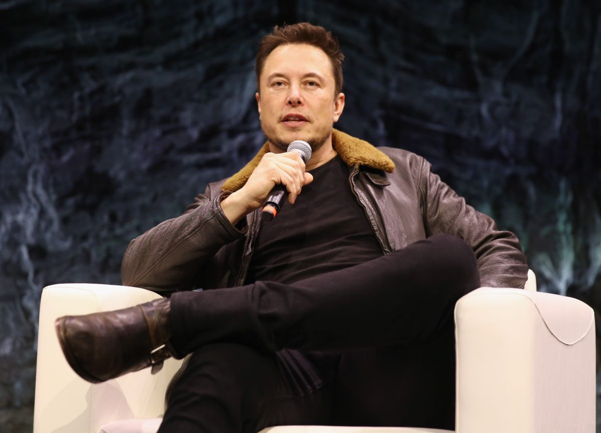 Elon Musk reminds us all that 'a bunch of people will probably die' going to Mars