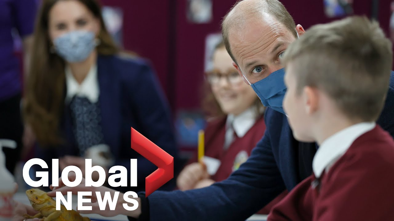 Prince William and Kate visit youth charities, play ping pong during Mental Health Awareness Week - Global News