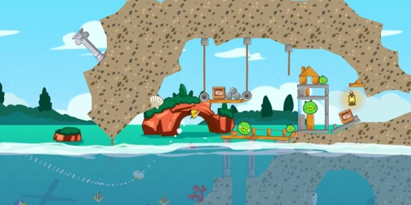 Angry Birds Seasons updated with Piglantis