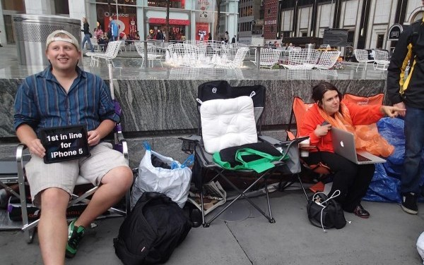 Not all those in line want the iPhone 5