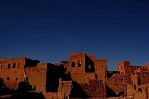 Morocco desert pueblo (Bachmont/Flickr)